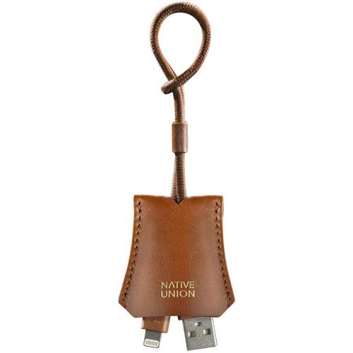 Кабель Native Union TAG Lightning-USB Cable коричневыйКабели и переходники<br>Native Union TAG позволит вам в мгновение подключить свой Айфон для подзарядки или синхронизации данных.<br><br>Цвет товара: Коричневый<br>Материал: Натуральная кожа, металл, пластик