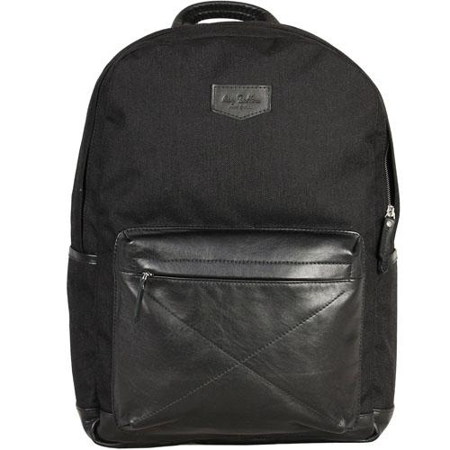 Рюкзак Ray Button Rugby для MacBook 15 чёрныйРюкзаки<br>Ray Button Rugby отличается ярким дизайном, высоким качеством и комфортом.<br><br>Цвет товара: Чёрный<br>Материал: Натуральная кожа, нейлон