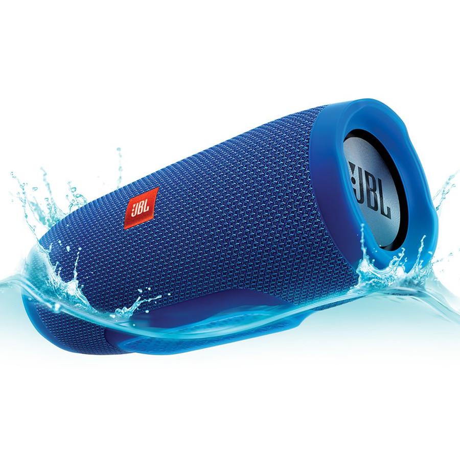 Акустическая система JBL Charge 3 синяяКолонки и акустика<br>Обновлённый дизайн, полностью переработанный звук, мощный аккумулятор и влагозащита — всё это новая JBL Charge 3!<br><br>Цвет товара: Синий<br>Материал: Пластик, текстиль