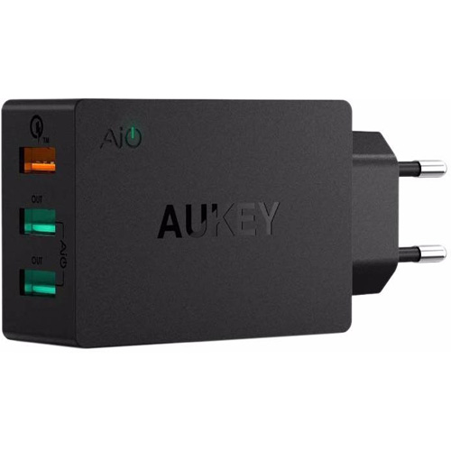 Сетевое зарядное устройство Aukey 3 USB Quick Charge 3.0 (PA-T14) чёрноеСетевые зарядки<br>Мощное и компактное сетевое зарядное устройство Aukey проблем поместится в сумке или рюкзаке, именно поэтому ее удобно брать с собой в поездк...<br><br>Цвет товара: Чёрный<br>Материал: Пластик