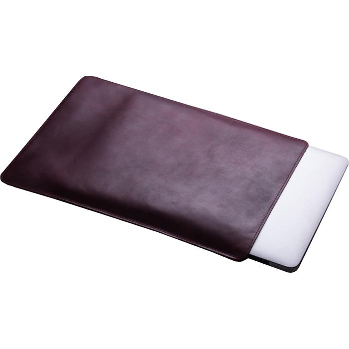 Кожаный чехол With Love. Moscow Classic для MacBook Pro 13 (2016) Maroon Love бордовыйЧехлы для MacBook Pro 13 Retina<br>Качественные швы и лучшие материалы дают гарантию, что аксессуар прослужит вам, как минимум столько же, сколько и сам MacBook.<br><br>Цвет товара: Красный<br>Материал: Натуральная кожа