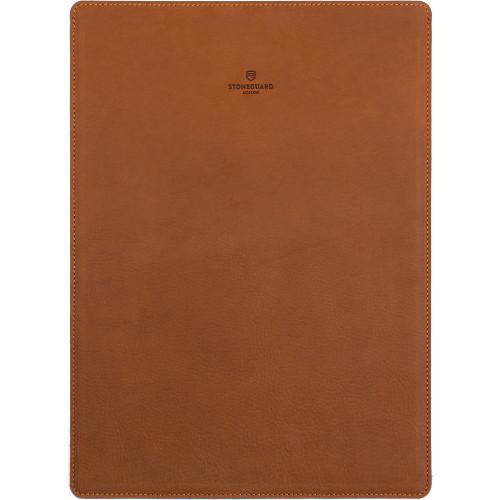 Кожаный чехол Stoneguard для MacBook Pro 15 Retina коричневый SandЧехлы для MacBook Pro 15 Retina<br>Кожаный чехол Stoneguard Moscow для MacBook Retina 15 model: 511 - Sand<br><br>Цвет товара: Оранжевый<br>Материал: Натуральная кожа, фетр