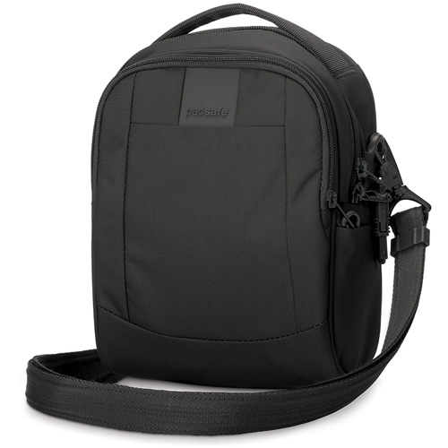 Сумка Pacsafe Metrosafe LS100 чёрнаяСумки и аксессуары для путешествий<br>С Pacsafe Metrosafe LS100 вы можете быть уверены, что сумка обеспечит максимальную защиту для ваших вещей!<br><br>Цвет товара: Чёрный<br>Материал: Текстиль, нержавеющая сталь, пластик