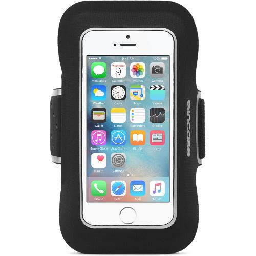 Чехол Incase Sports Armband для iPhone 5/5S/SE чёрныйЧехлы для iPhone 5s/SE<br>Чехол Incase Sports Armband для iPhone 5/se<br><br>Цвет товара: Чёрный<br>Материал: Неопрен, текстиль