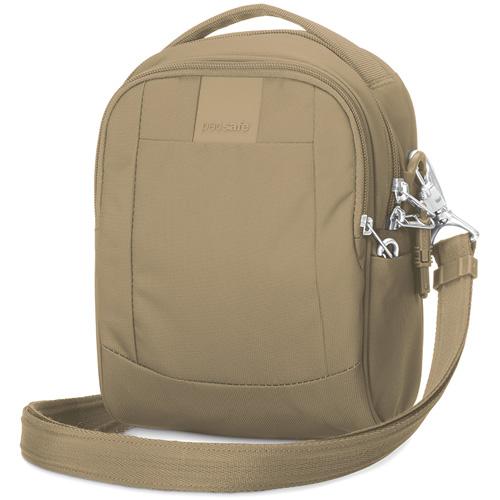 Сумка через плечо PacSafe Metrosafe LS100 (Sandstone) песочнаяСумки и аксессуары для путешествий<br>С Pacsafe Metrosafe LS100 вы можете быть уверены, что сумка обеспечит максимальную защиту для ваших вещей!<br><br>Цвет товара: Бежевый<br>Материал: Текстиль, нержавеющая сталь, пластик
