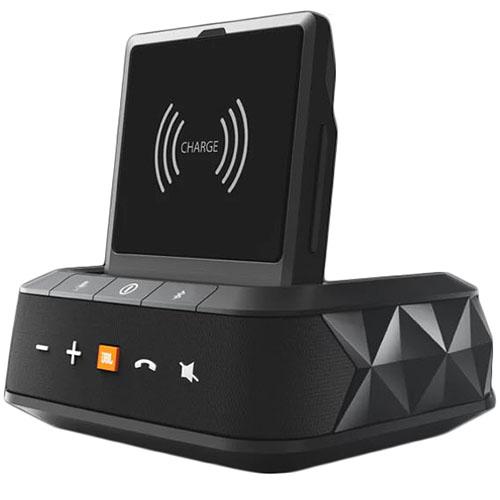 Автомобильное зарядное устройство JBL Smartbase Wireless чёрноеАвтозарядки<br>JBL Smartbase Wireless - не просто автозарядка с поддержкой Qi, а настоящий умный гаджет!<br><br>Цвет товара: Чёрный<br>Материал: Пластик