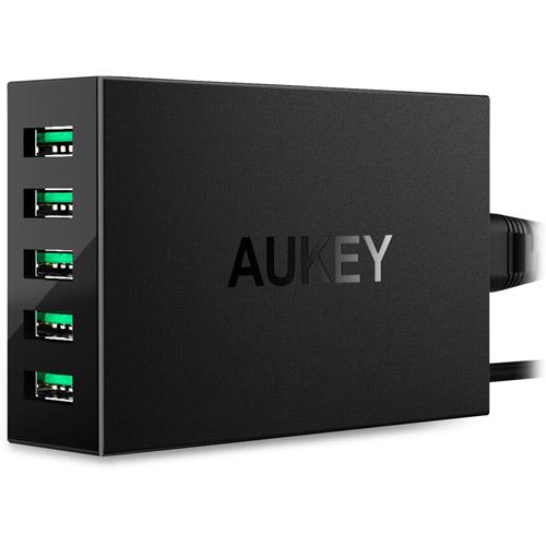 Сетевое зарядное устройство Aukey 10A 5-Port USB (PA-U33)Сетевые зарядки<br>Aukey PA-U33 представляет собой удобное сетевое зарядное устройство c 5 портами USB, работающее от сети переменного тока.<br><br>Цвет товара: Чёрный<br>Материал: Пластик