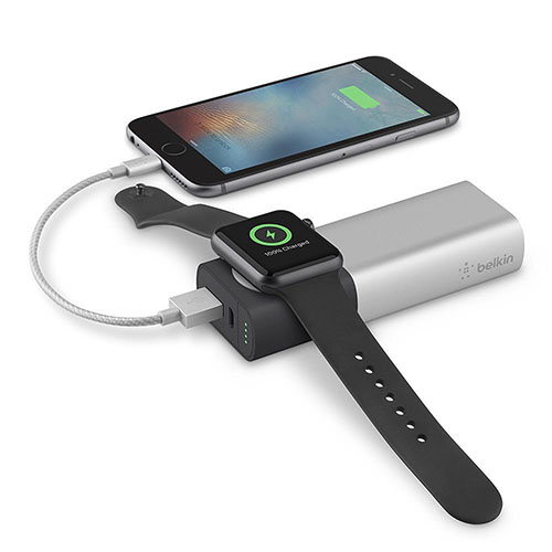 Внешний аккумулятор Belkin Valet Charger Power Pack 6700 мАч для Apple Watch + iPhone серебристыйДополнительные и внешние аккумуляторы<br>Belkin Valet Charger Power Pack - зарядное устройство, которое не даст гаджетам разрядится!<br><br>Цвет товара: Серебристый