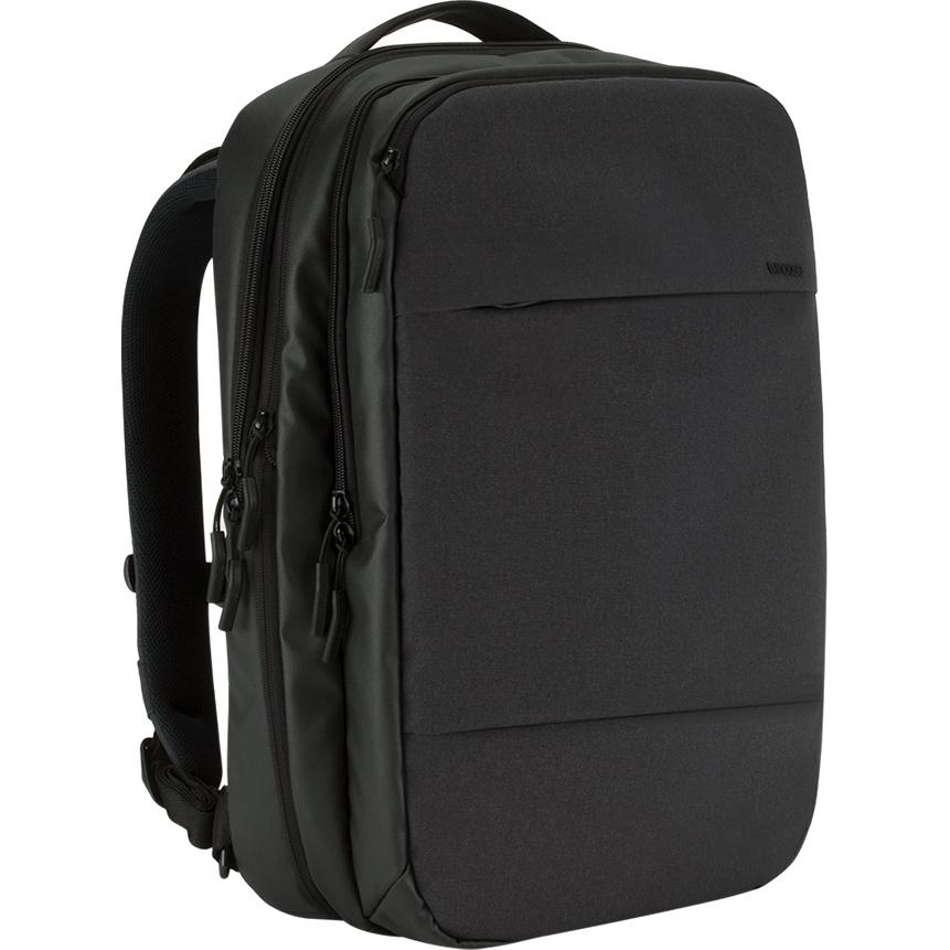 Рюкзак Incase City Commuter Backpack для MacBook 15 чёрный (INCO100146-BLK)Рюкзаки<br>Этот рюкзак станет надежным и практичным спутником в ваших ежедневных путешествиях, как далеко вы бы ни отправились.<br><br>Цвет: Чёрный<br>Материал: Прочная смешанная полимерная ткань 270 x 500D