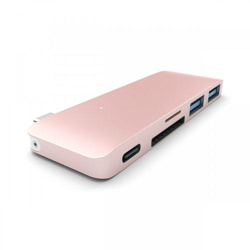 USB-хаб Satechi Type-C Pass Through USB Hub with USB-C Charging Port розовыйХабы - разветвители USB<br>Satechi Type-C Combo Hub удобен в использовании, компактен и практичен.<br><br>Цвет товара: Розовое золото<br>Материал: Металл, пластик