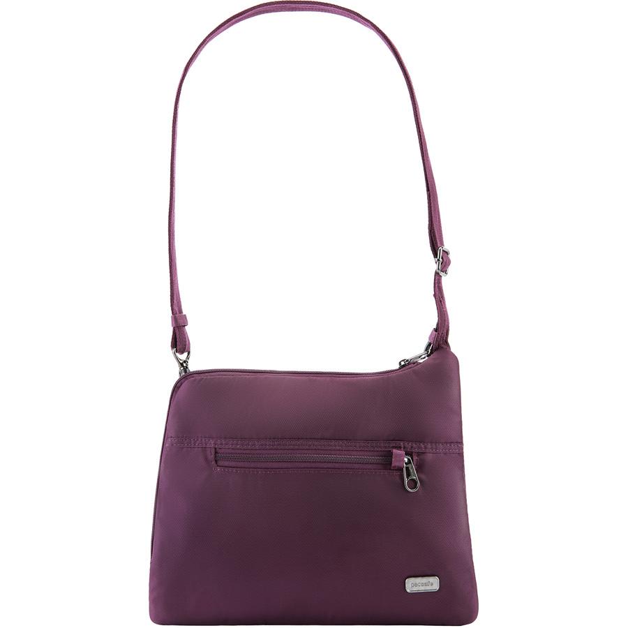 Сумка PacSafe Daysafe Anti-theft Slim Crossbody Bag фиолетовая (Blackberry)Сумки и аксессуары для путешествий<br>Тонкая и спортивная кросс-боди сумка PacSafe, объемом 4,5 литра позволяет вам держать самые необходимые вещи организованно и всегда под рукой.<br><br>Цвет: Фиолетовый<br>Материал: 200D полиэстер Dobby, полиуретан (600 мм); подкладка: 75D полиэстер Herringbone Dobby, полиуретан (1000 мм), нержавеющая сталь