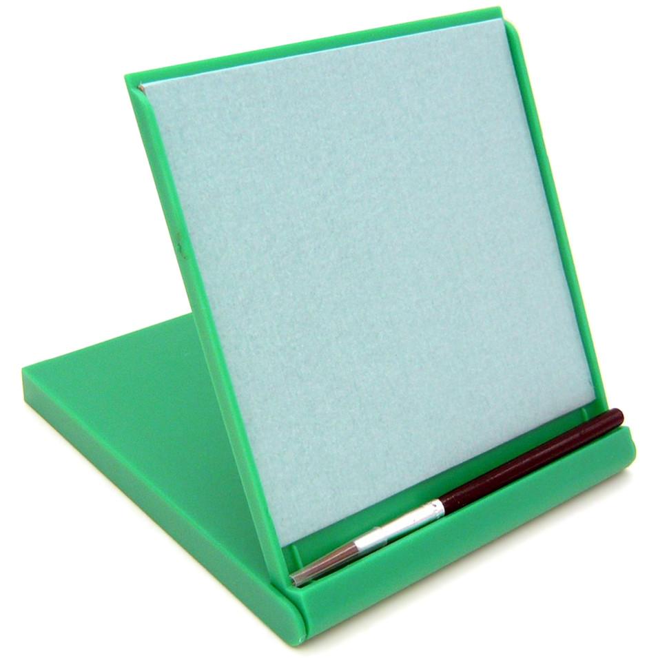 Планшет для рисования водой Акваборд мини зелёный (MBBG)Планшеты для рисования<br>Акваборд — это экологически чистый продукт, в котором обычная вода используется для рисования!<br><br>Цвет товара: Зелёный<br>Материал: Дерево, пластик