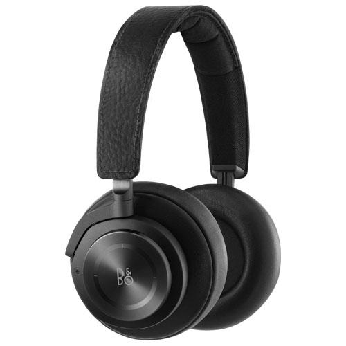 Наушники Bang &amp; Olufsen BeoPlay H9 чёрныеНакладные наушники<br>Звук в BeoPlay H9 доведён до феноменальной чистоты!<br><br>Цвет товара: Чёрный<br>Материал: Алюминий, кожа, пластик