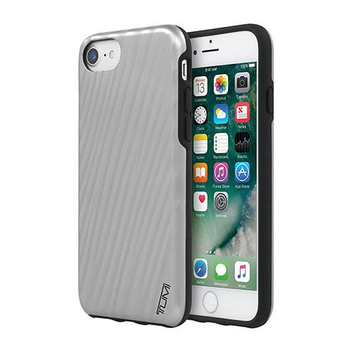 Чехол Tumi 19 Degree Case для iPhone 7 серебристыйЧехлы для iPhone 7/7 Plus<br>Tumi 19 Degree Case для iPhone 7 - это высококачественная защитная панель.<br><br>Цвет товара: Серебристый