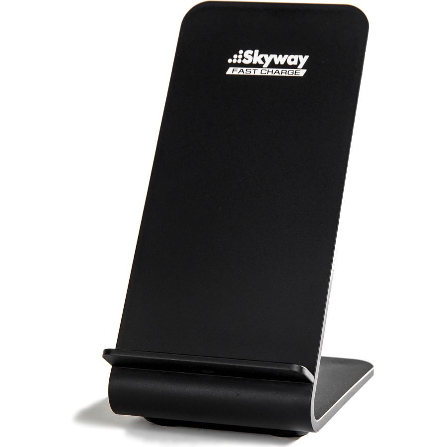 Беспроводное зарядное устройство Skyway Energy Fast чёрноеСетевые зарядки<br>Skyway Energy Fast позволяет зарядить смартфон в 2 раза быстрее, нежели от обычной сетевой зарядки.<br><br>Цвет товара: Чёрный<br>Материал: Пластик