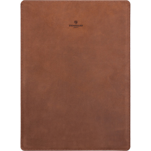 Кожаный чехол Stoneguard для MacBook Pro 13 Touch Bar (new 2016) коричневый Rust (511)Чехлы для MacBook Pro 13 Touch Bar<br>Кожаный чехол Stoneguard Moscow для MacBook Pro 13 NEW 2016  model: 511 - Rust<br><br>Цвет товара: Коричневый<br>Материал: Натуральная кожа, фетр