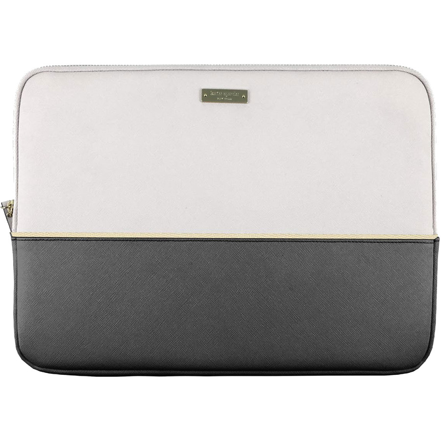 Чехол Kate Spade New York Color-Block Sleeve для MacBook 13 Saffiano Black/Cement/GoldЧехлы для MacBook Air 13<br>Kate Spade New York Color-Block Sleeve — стильный и надёжный чехол для вашего любимого лэптопа.<br><br>Цвет товара: Серый<br>Материал: Эко-кожа, текстиль