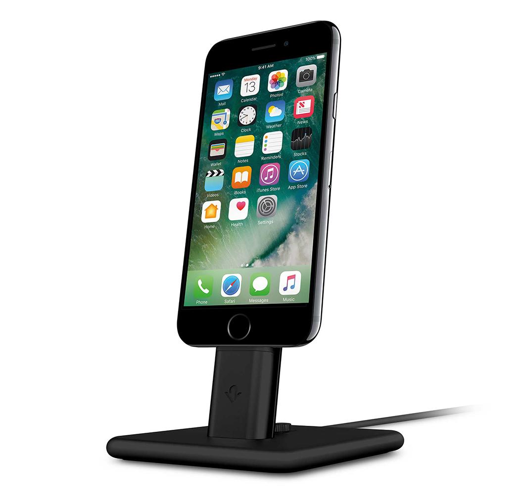 Док-станция TwelveSouth HiRise 2 для iPhone и iPad чёрнаяДокстанции/подставки<br>Док-станция TwelveSouth HiRise 2 представляет из себя красивую металлическую подставку для зарядки iPhone или iPad.<br><br>Цвет товара: Чёрный<br>Материал: Сталь