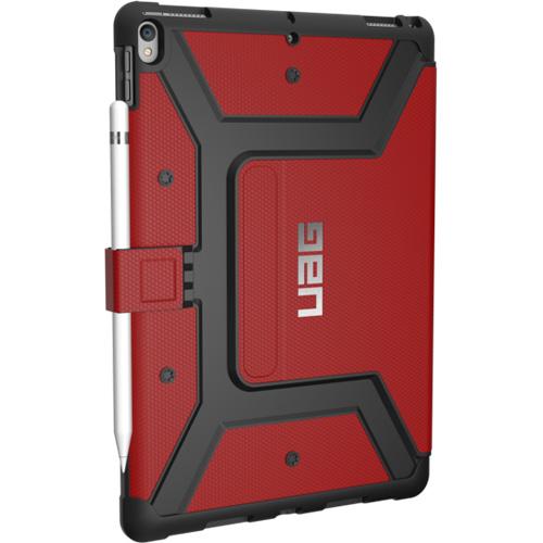 Чехол UAG Metropolis Case для iPad Pro 10.5 красный MagmaЧехлы для iPad Pro 10.5<br>Прочная композитная конструкция, защита от загрязнений и влаги на 360°, комфортная подставка и держатель для стилуса — всё это чехол UAG Metropolis Case для iPad Pro 10.5.<br><br>Цвет товара: Красный<br>Материал: Композитный пластик, термопластичный полиуретан