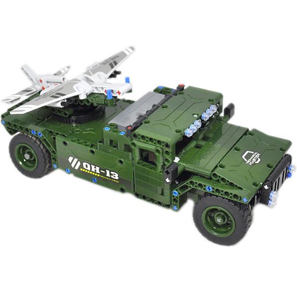 Игрушка конструктор EvoPlay Army Car (CM-209)3D пазлы и конструкторы<br>Игрушка конструктор Evoplay CM-209 Army Car (506 дет)<br><br>Цвет: Зелёный<br>Материал: Пластик