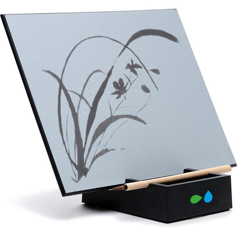 Планшет для рисования водой Акваборд (Buddha Board)Планшеты для рисования<br>Акваборд — это экологически чистый продукт, в котором обычная вода используется для рисования!<br><br>Цвет товара: Чёрный<br>Материал: Дерево, пластик