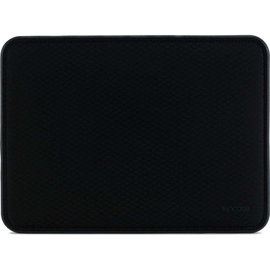 Чехол Incase Icon Sleeve with Diamond Ripstop для MacBook Pro 13 USB-C / Touch Bar чёрный (INMB100265-BLK)MacBook Pro 13<br>Чехол Incase ICON Sleeve with Diamond Ripstop создан специально для новых моделей Apple MacBook.<br><br>Цвет: Чёрный<br>Материал: 50% Нейлон, 50% Полиэстер, искусственный мех