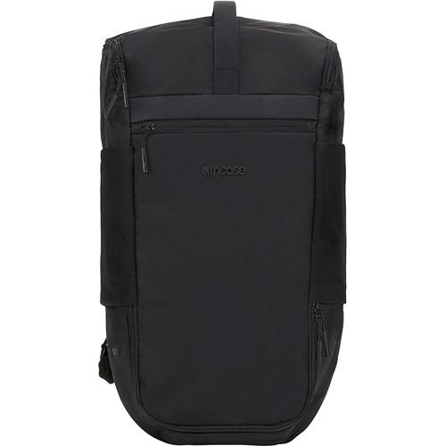 Рюкзак Incase Sport Field Bag Lite (24L) для MacBook 15 чёрный (100209-BLK)Рюкзаки<br>Incase Sport Field Bag Lite станет надежным и практичным спутником в ваших ежедневных путешествиях и занятиях спортом!<br><br>Цвет товара: Чёрный<br>Материал: Нейлон 840D и 400D, подкладка из искусственного меха