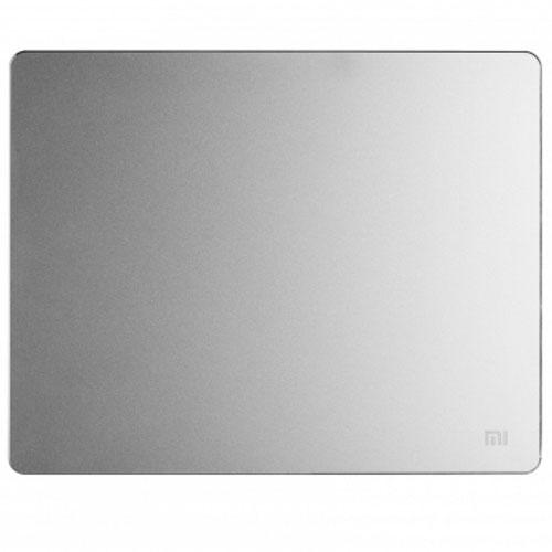 Коврик для мыши Xiaomi Mat Metallic Simple большойКоврики для мышей<br>Металлический коврик Xiaomi – первый в своем роде аксессуар от всемирно известного производителя.<br><br>Цвет товара: Серебристый<br>Материал: Металл<br>Модификация: L