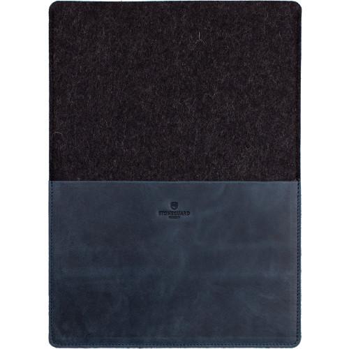 Кожаный чехол Stoneguard для MacBook 12 синий Ocean Coal (541)Чехлы для MacBook 12 Retina<br>Фетровая и кожаная текстуры — классическое сочетание для тех, кто предпочитает благородные, качественные вещи.<br><br>Цвет товара: Синий<br>Материал: Натуральная кожа, фетр