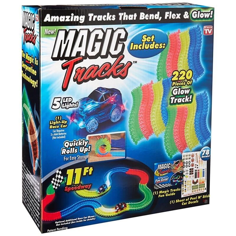 Светящийся конструктор Magic Tracks (220 деталей)3D пазлы, конструкторы, головоломки<br>Играть с Magic Tracks вам и вашим детям будет невероятно весело!<br><br>Цвет товара: Разноцветный<br>Материал: Пластик<br>Модификация: 236