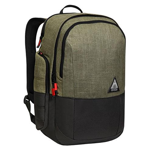 Рюкзак Ogio Clark для MacBook 15Рюкзаки<br>Рюкзак OGIO CLARK Olive<br><br>Цвет товара: Чёрный<br>Материал: Текстиль, нейлон