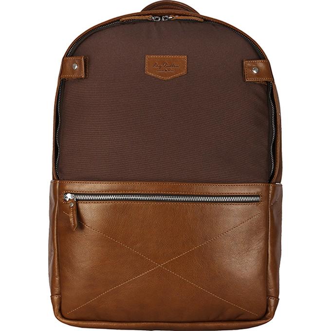 Рюкзак Ray Button Chester для MacBook 15 коричневыйРюкзаки<br>Выделиться из толпы и подчеркнуть хороший вкус поможет стильный городской аксессуар – рюкзак из натуральной кожи RayButton.<br><br>Цвет товара: Коричневый<br>Материал: Натуральная кожа, нейлон
