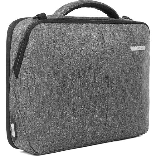 Сумка Incase Reform Brief Tensaerlite для MacBook 13 серый Heather Black (CL60594)Сумки для ноутбуков<br>Во время прогулок по городу, деловых встреч или встреч с друзьями, командировок и даже буднечных поездок в офис вы обязательно оцените комф...<br><br>Цвет: Серый<br>Материал: Eco-dyed 300D poly Ecoya