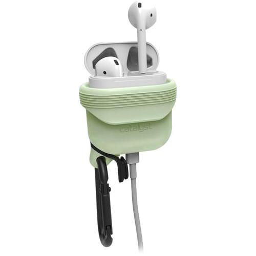 Чехол Catalyst Waterproof Case для AirPods зелёный (светящийся в темноте)Кабели и аксессуары для наушников<br>Уникальный чехол для AirPods, который убережёт их от повреждений и влаги!<br><br>Цвет: Зелёный<br>Материал: Силикон, металл