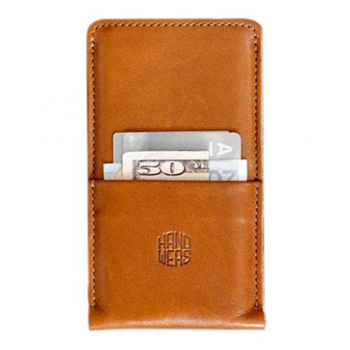 Чехол Handwers Hike Plus для iPhone 6/6s/7 Plus коричневыйЧехлы для iPhone 6s PLUS<br>Чехол Handwers Hike Plus для iPhone 6 Plus Коричневый<br><br>Цвет товара: Коричневый<br>Материал: Натуральная кожа, войлок