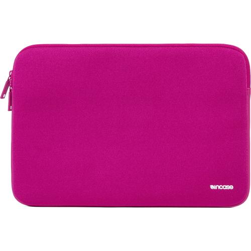 Чехол Incase Neoprene Classic Sleeve для MacBook 13 розовыйЧехлы для MacBook Air 13<br>Компания Incase знает, как сохранить в целости и сохранности Ваш MacBook! Чехлы из серии Neoprene Classic Sleeve разрабатывались компанией Incase специально для ноутбуков от Apple, а потому они идеально подходят ему по размерам, плотно облегая со всех сто...<br><br>Цвет товара: Розовый<br>Материал: Неопрен, флис