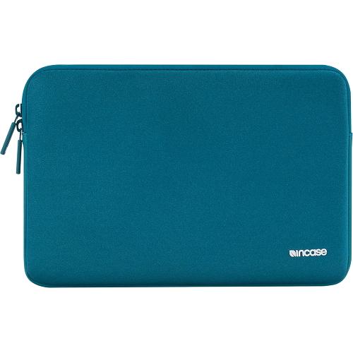 Чехол Incase Classic Sleeve для MacBook 15 бирюзовыйЧехлы для MacBook Pro 15 Old (до 2012г)<br>Компания Incase знает, как сохранить в целости и сохранности Ваш MacBook! Чехлы из серии Classic Sleeve разрабатывались компанией Incase специально для ноу...<br><br>Цвет товара: Бирюзовый<br>Материал: Ariaprene®