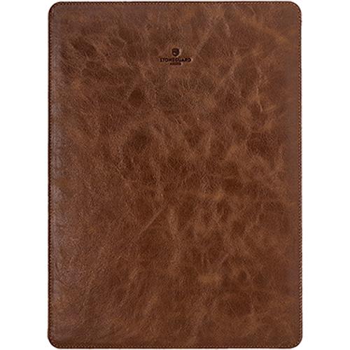 Кожаный чехол Stoneguard для MacBook Pro 13 Touch Bar (new 2016) коричневый (511)Чехлы для MacBook Pro 13 Touch Bar 2016<br>Кожаный чехол Stoneguard Moscow для MacBook Pro 13 NEW 2016  model: 511 - Brown<br><br>Цвет товара: Коричневый<br>Материал: Натуральная кожа, фетр
