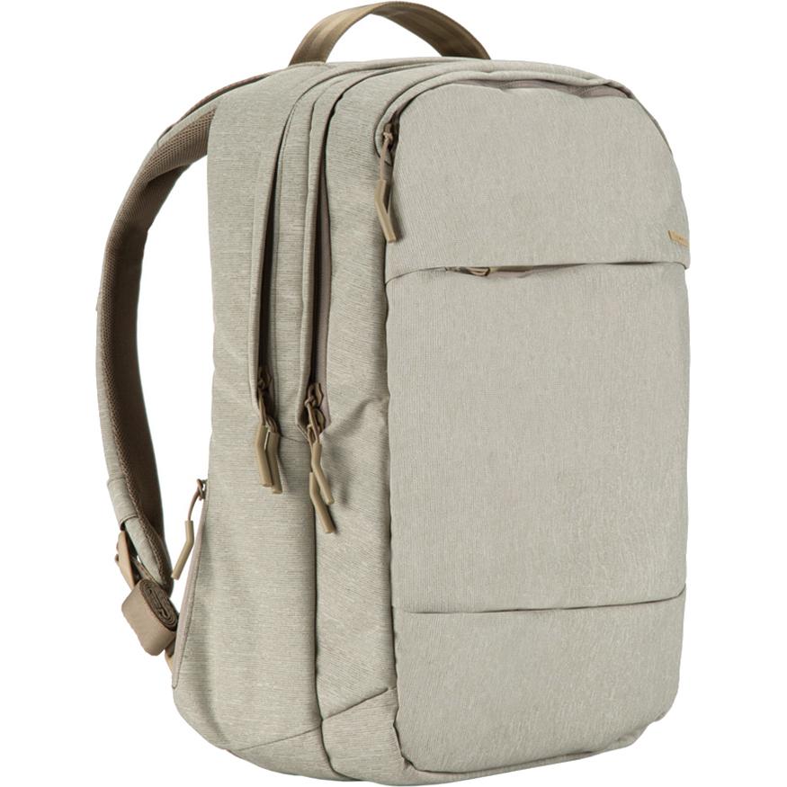 Рюкзак Incase City Backpack для MacBook 17 хаки (INCO-100207-HKH)Рюкзаки<br>Этот рюкзак станет надежным и практичным спутником в ваших ежедневных путешествиях, как далеко вы бы ни отправились.<br><br>Цвет: Бежевый<br>Материал: 100% смешанный полиэстер (270 x 500D)