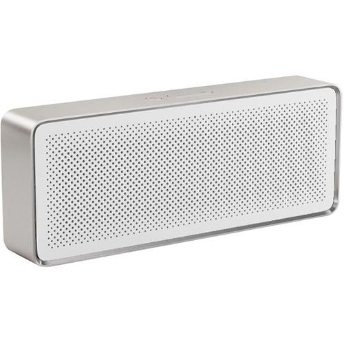 Портативная колонка Xiaomi Bluetooth Speaker II белаяКолонки и акустика<br>Xiaomi Bluetooth Speaker II — одна из самых маленьких колонок в мире, в компактном корпусе которой скрывается качественное и насыщенное звучание.<br><br>Цвет товара: Белый<br>Материал: Алюминий, пластик