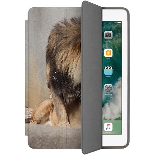 Чехол Muse Smart Case для iPad 9.7 (2017) Лев и ЛьвицаЧехлы для iPad 9.7 (2017)<br>Чехлы Muse — это индивидуальность, насыщенность красок, ультрасовременные принты и надёжность.<br><br>Цвет товара: Коричневый<br>Материал: Поликарбонат, полиуретановая кожа