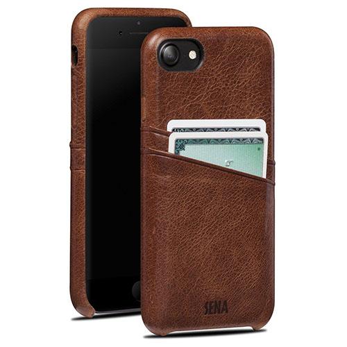 Чехол Sena Snap-On Wallet для iPhone 7 (Айфон 7) коричневыйЧехлы для iPhone 7/7 Plus<br>Чехол Sena Snap-On Wallet для iPhone 7 – оригинальный и стильный чехол, в котором собрано всё необходимое.<br><br>Цвет товара: Коричневый<br>Материал: Натуральная кожа, поликарбонат