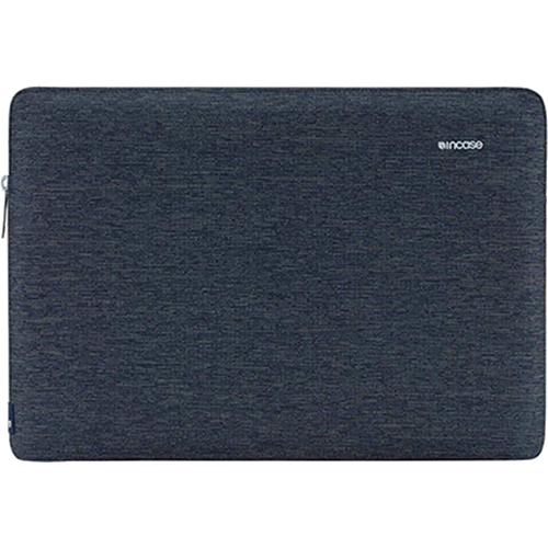 Чехол Incase Slim Sleeve для MacBook Air 13 темно-синийЧехлы для MacBook Air 13<br>Современный, тонкий чехол на молнии создавался специально для нового лэптопа, поэтому он идеально подходит ему по размерам, плотно облегая со всех сторон.<br><br>Цвет товара: Синий<br>Материал: Текстиль