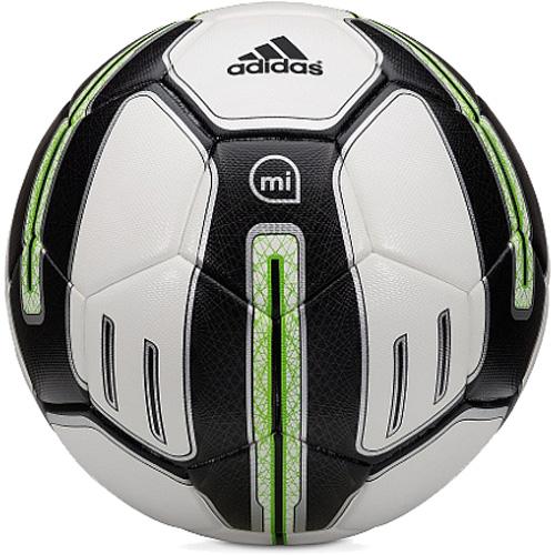 Умный футбольный мяч Adidas MiCoach Smart BallАксессуары для тренировок и фитнеса<br>Футбольный мяч Adidas miCoach smart ball поможет улучшить технику удара по мячу, чтобы каждый ваш штрафной попадал прямо в ворота!<br><br>Цвет: Разноцветный<br>Материал: Полиуретан, бутилкаучуковая камера