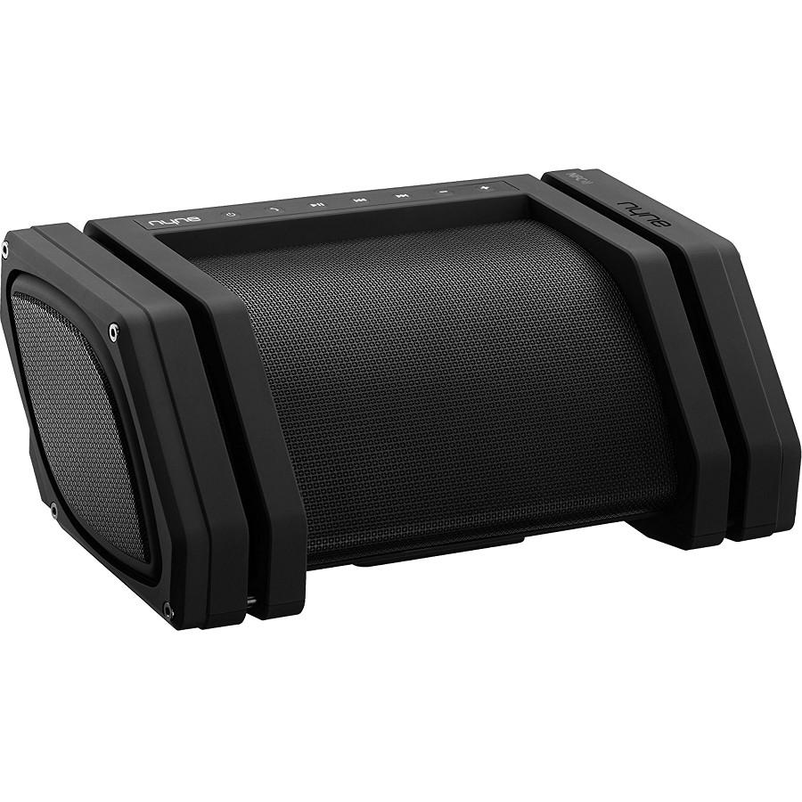 Акустическая система NYNE Rebel чёрнаяКолонки и акустика<br>NYNE Rebel — это акустическая система с выделенным сабвуфером и влагозащитой.<br><br>Цвет товара: Чёрный<br>Материал: Пластик, силикон, металл